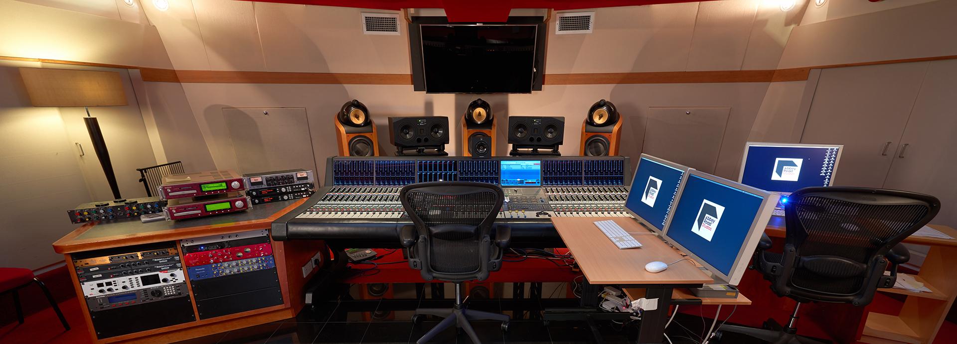 Penthouse Studio